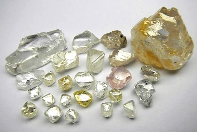 Rough Diamond Sales Surge into April