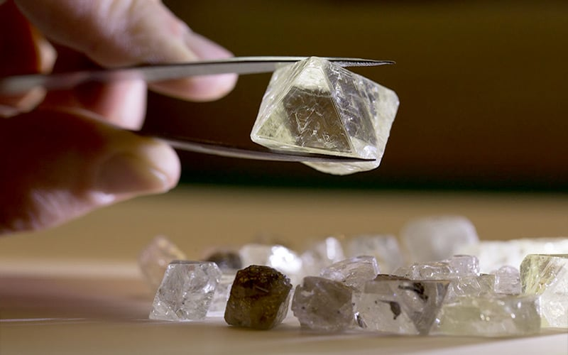 Read more about the article Rough Diamond Sales Continue Climbing